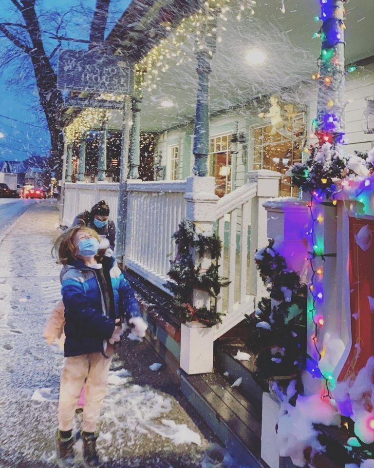 Christmas Vineyard Haven Main Street
